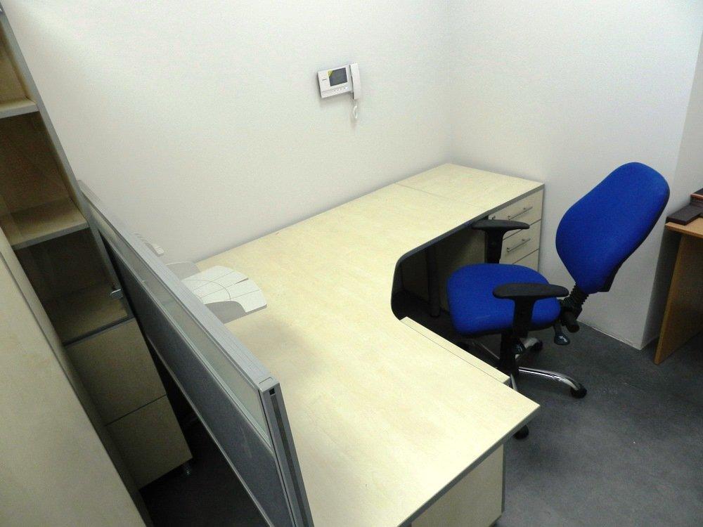 угловой стол в Ирпене