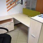 светлая офисная мебель Ирпень
