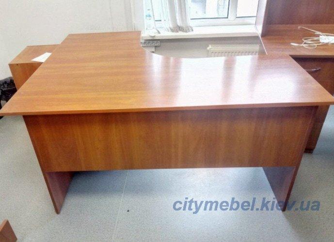 Угловойв офисный стол