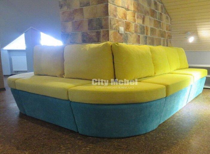 угловые диваны в кафе под заказ в Киеве