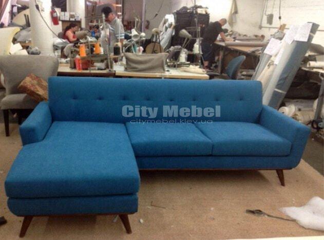 голубой скандинавский диван