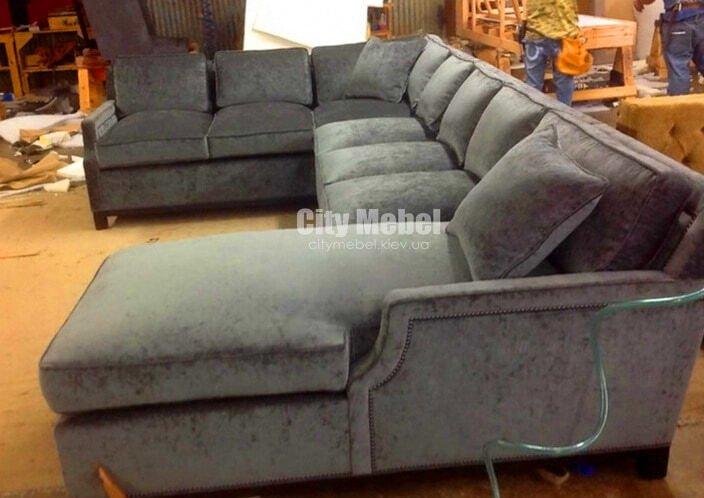 С-образные нестандартные диваны со спальным местом на заказ
