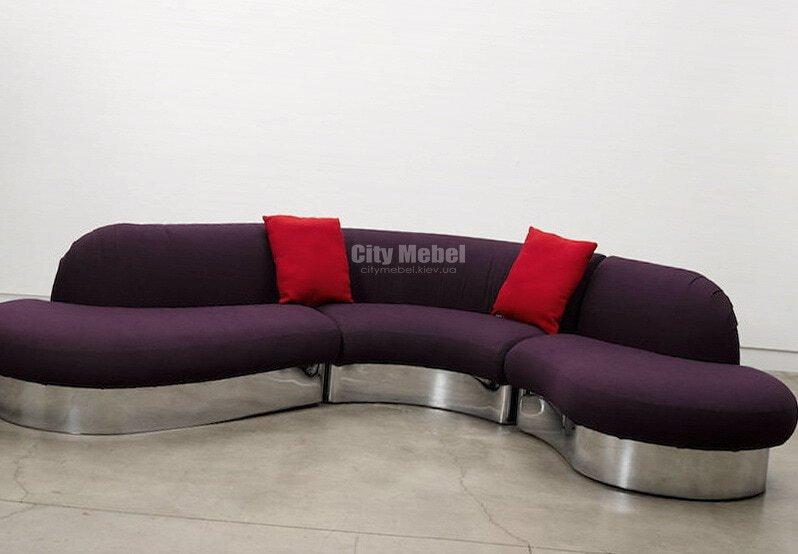 сереневый диван радиусный с подушками