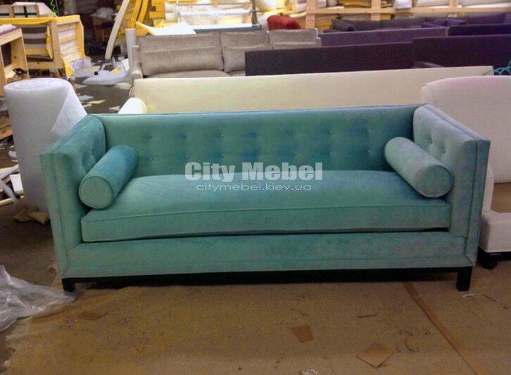 зеленый прямой диван