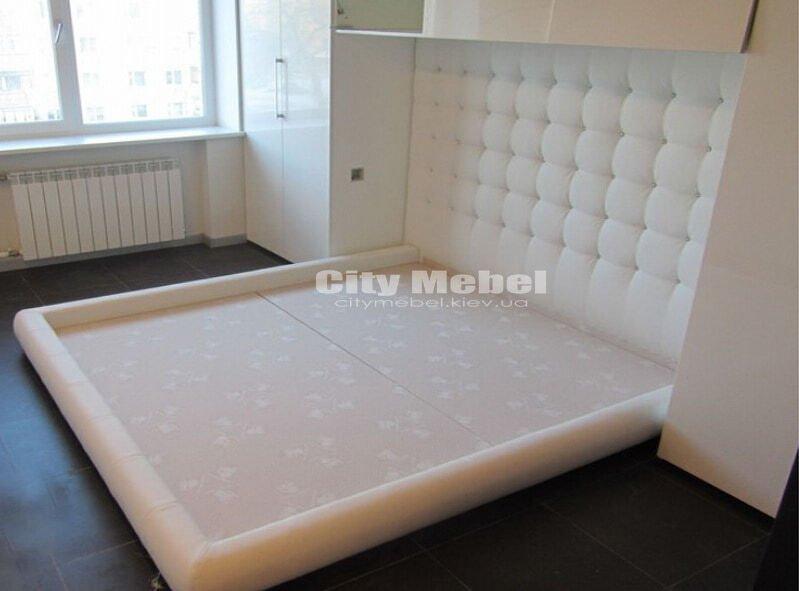 встроенная мягкая кровать