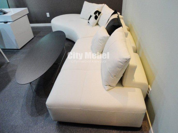 радиусный диван в офис в приемную